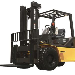 Komatsu Pneumatic Diesel Forklift 15,400 - 18,000 lbs