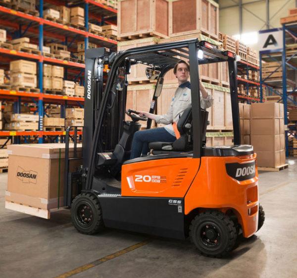Doosan Electric 4-Wheel 3,200 - 4,000 lbs