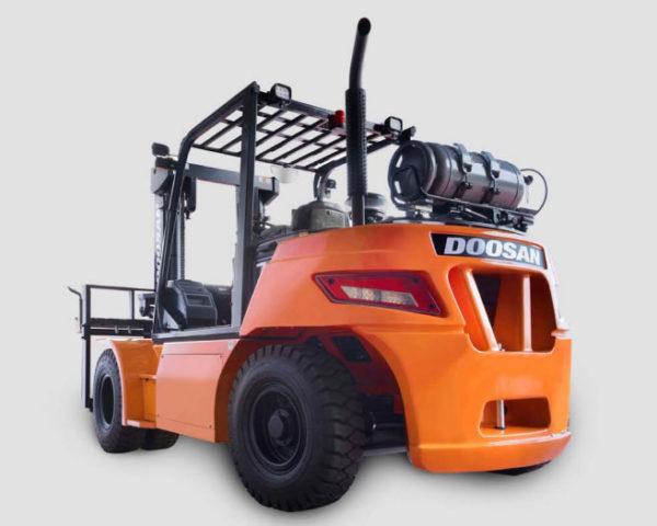 Doosan Pneumatic 13,500 - 15,500 lbs
