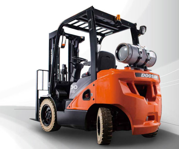 Doosan IC Pneumatic 4,000 - 7,000 lbs